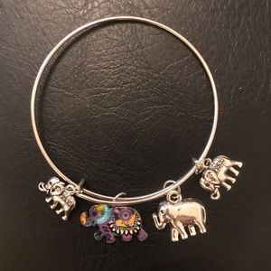 Elephant charm bracelet Super cute! (Adjustable)